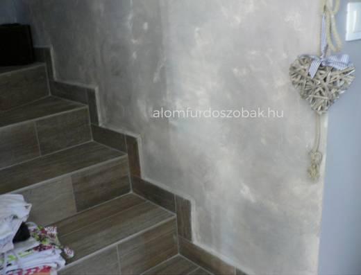 Fahatású padlólap a lépcsőn 2